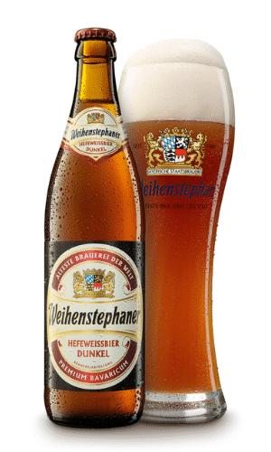 Hefeweissbier Dunkel by Bayerische Staatsbrauerei Weihenstephan